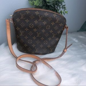 LOIUS VUITTON | Monogram Drouot Crossbody bag